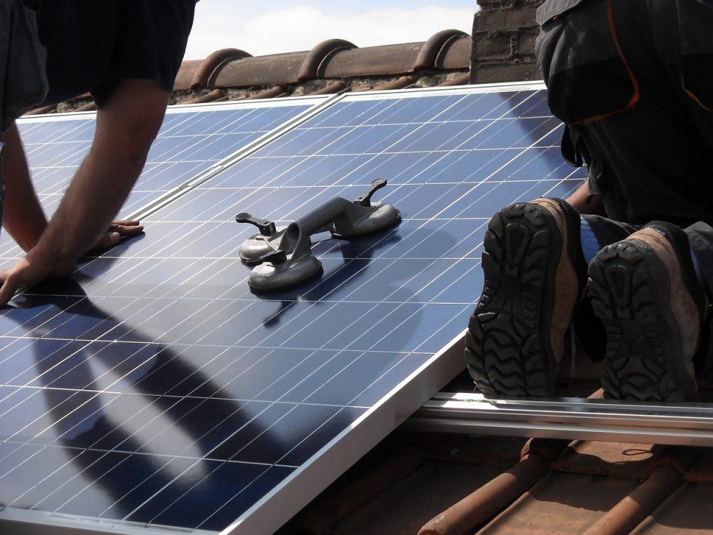 zonnepanelen, installatiebedrijf, pere, Doornenburg